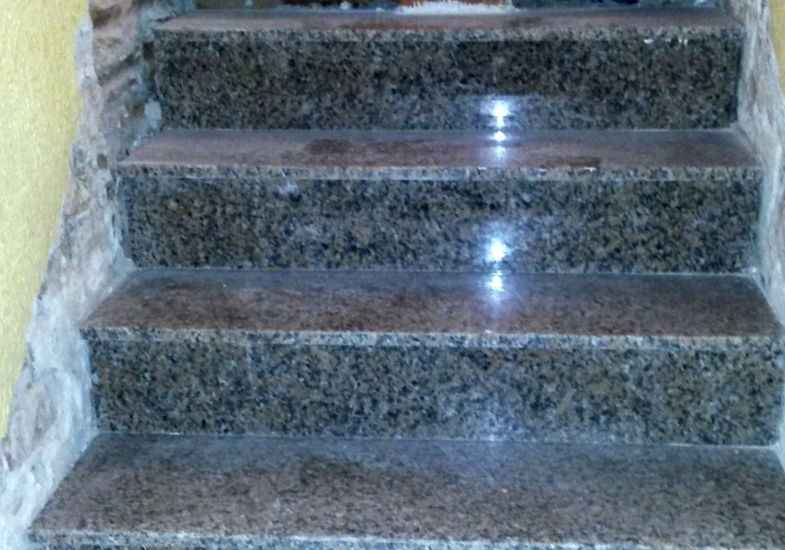 Nuevo revestimiento de caja de escalera